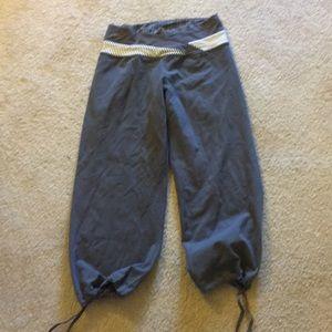 ⭐️🍋🍋lululemon crop yoga pants